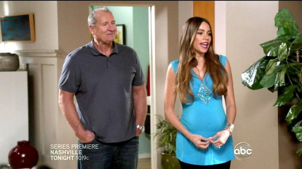 More Pics of Sofia Vergara Scoopneck Sweater (1 of 12) - Modern Family Lookbook - StyleBistro