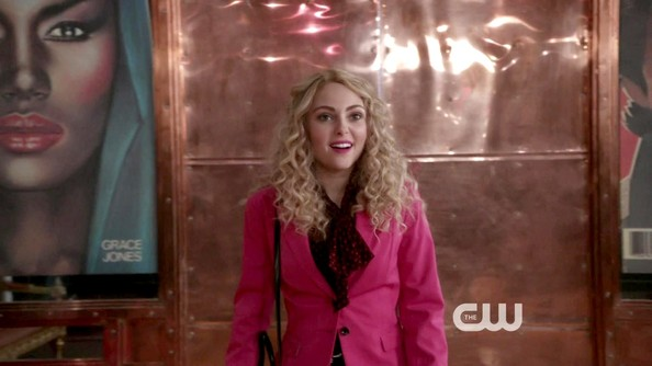More Pics of AnnaSophia Robb Blazer (1 of 15) - AnnaSophia Robb Lookbook - StyleBistro