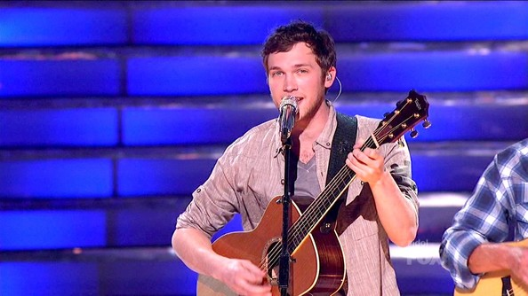 Phillip Phillips Clothes
