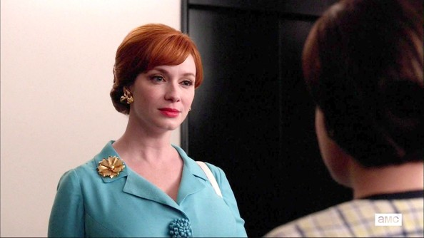 More Pics of Christina Hendricks Print Dress (1 of 9) - Christina Hendricks Lookbook - StyleBistro
