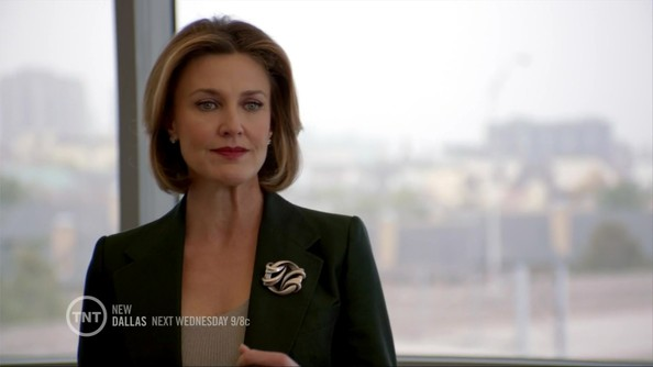 More Pics of Brenda Strong Cultured Pearls (1 of 11) - Brenda Strong Lookbook - StyleBistro []