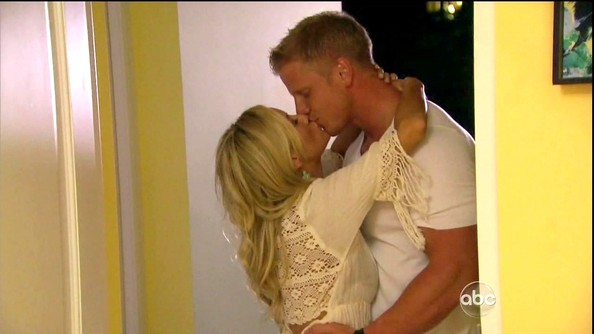 Emily Maynard was boho-chic on 'The Bachelorette' in a darling white crochet-detailed cover-up.