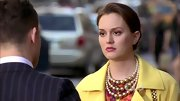 Leighton Meester proved pearl necklaces don't have to be aging, choosing a triple-stranded version intermixed with gold beads.