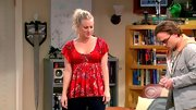 Kaley Cuoco played up her curves on 'The Big Bang Theory' in this empire-waisted top.