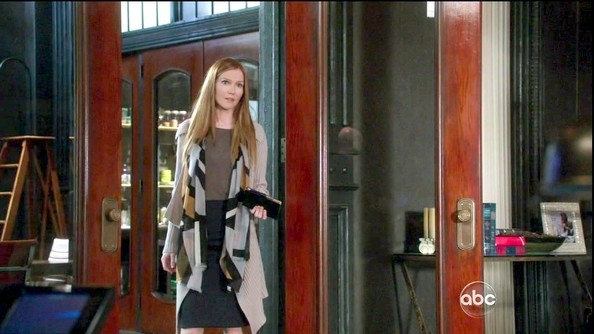 More Pics of Darby Stanchfield Long Straight Cut (1 of 3) - Darby Stanchfield Lookbook - StyleBistro