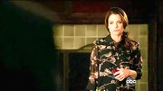 Kimberly Williams-Paisley chose a spring-appropriate bird and floral frock for the recent episode of 'Nashville.'