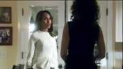 Kerry Washington chose this fitted white jacket with a side bow for her sleek and professional look on 'Scandal.'
