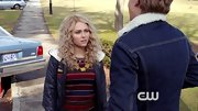 AnnaSophia Robb showed her style in 'The Carrie Diaries' with a classic striped sweater.