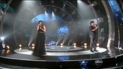 Kelly Clarkson was darkly romantic on the 'Duets' stage in a black tulle gown.