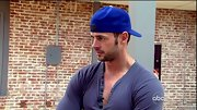 William Levy gave his workout threads an urban vibe with a backwards royal blue baseball cap.