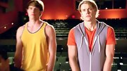 Chord Overstreet looked casual and cool on 'Glee' when he sported this lavender sleeveless zip-up hoodie.