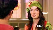 Leighton Meester is never one to take the boring route, take this lime green head scarf for instance!